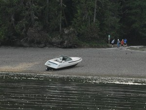Same high and dry boat a few hours later.